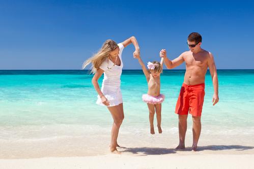 Rodina Na Tropické Pláži